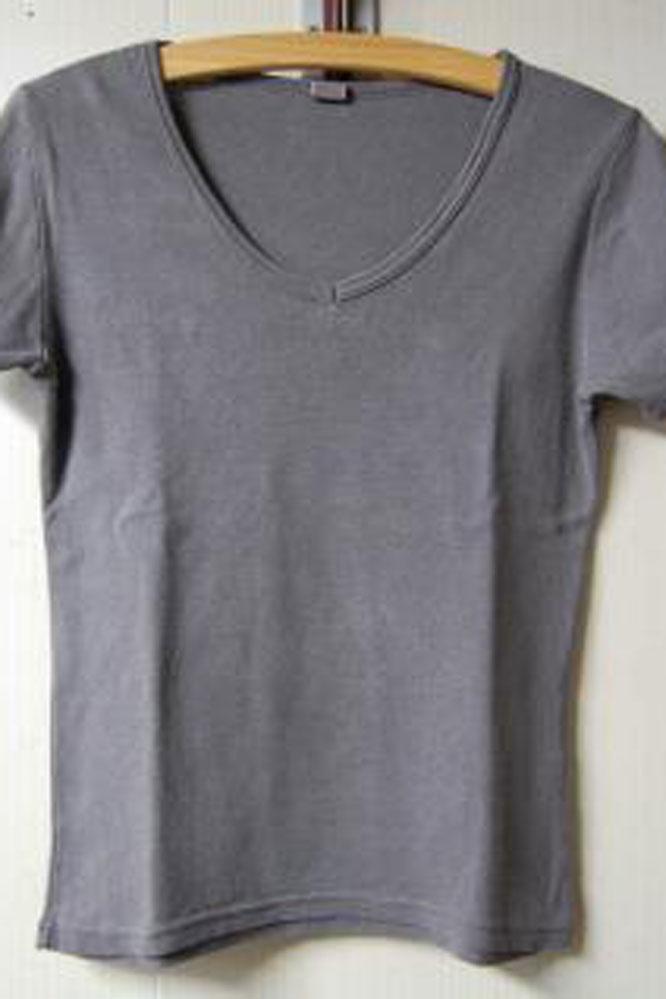 天然100%ウォールナットダイのサンプルTシャツ