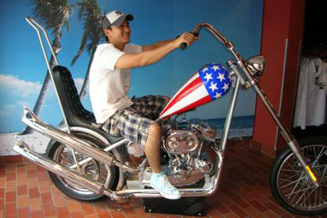 フロリダ:オーランドのディズニー[Harley shop]にて