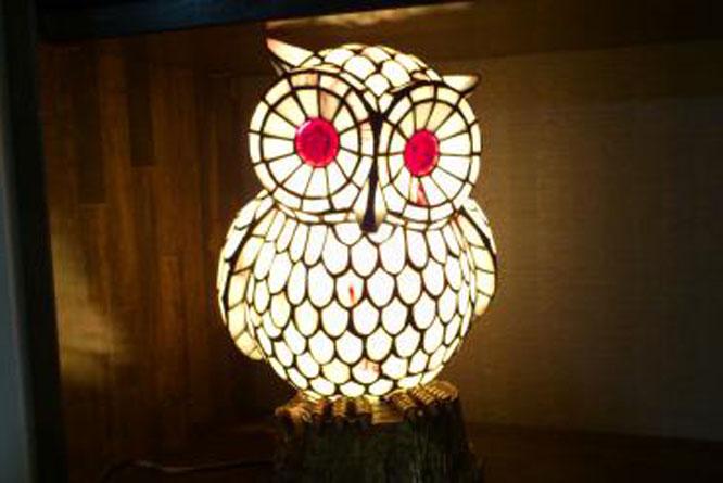 フクロウの照明